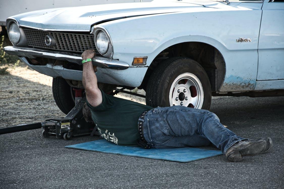 mechanics person
